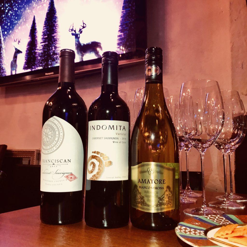 貸切プランにプラスワインの飲み比べのワインの写真です。